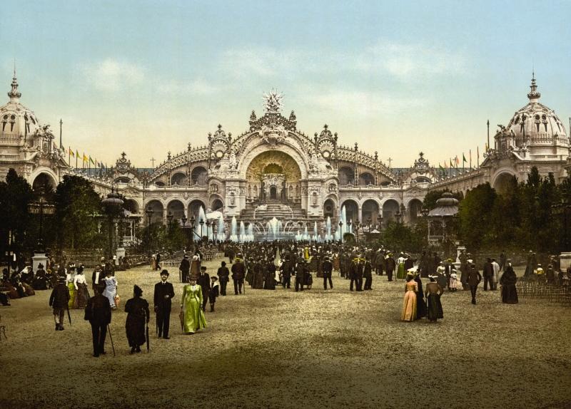 Le_Chateau_d'eau_and_plaza,_Exposition_Universal,_1900,_Paris,_France