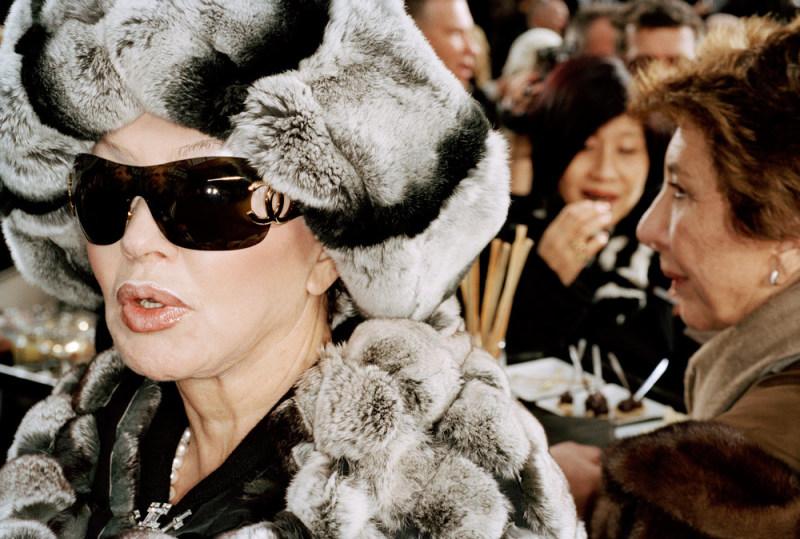 martin-parr-france-paris-haute-couture-2007-luxury
