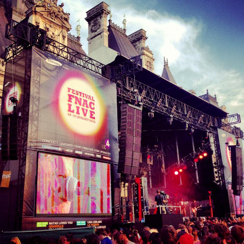 Festival-Fnac-Live-2013-stage-scène-Hotel-de-ville-Paris-musique-concerts-gratuits