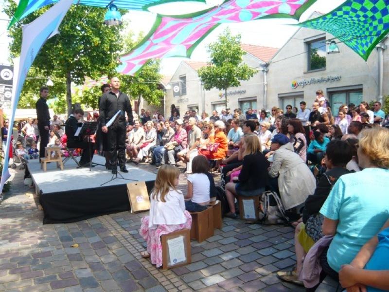 Opéra-Côté-Cour-Carmen-Bercy-Village-2012